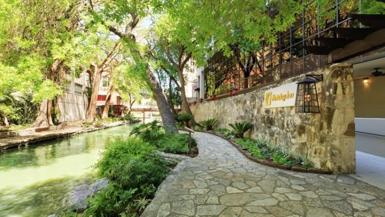 Holiday Inn San Antonio River Walk Fdc